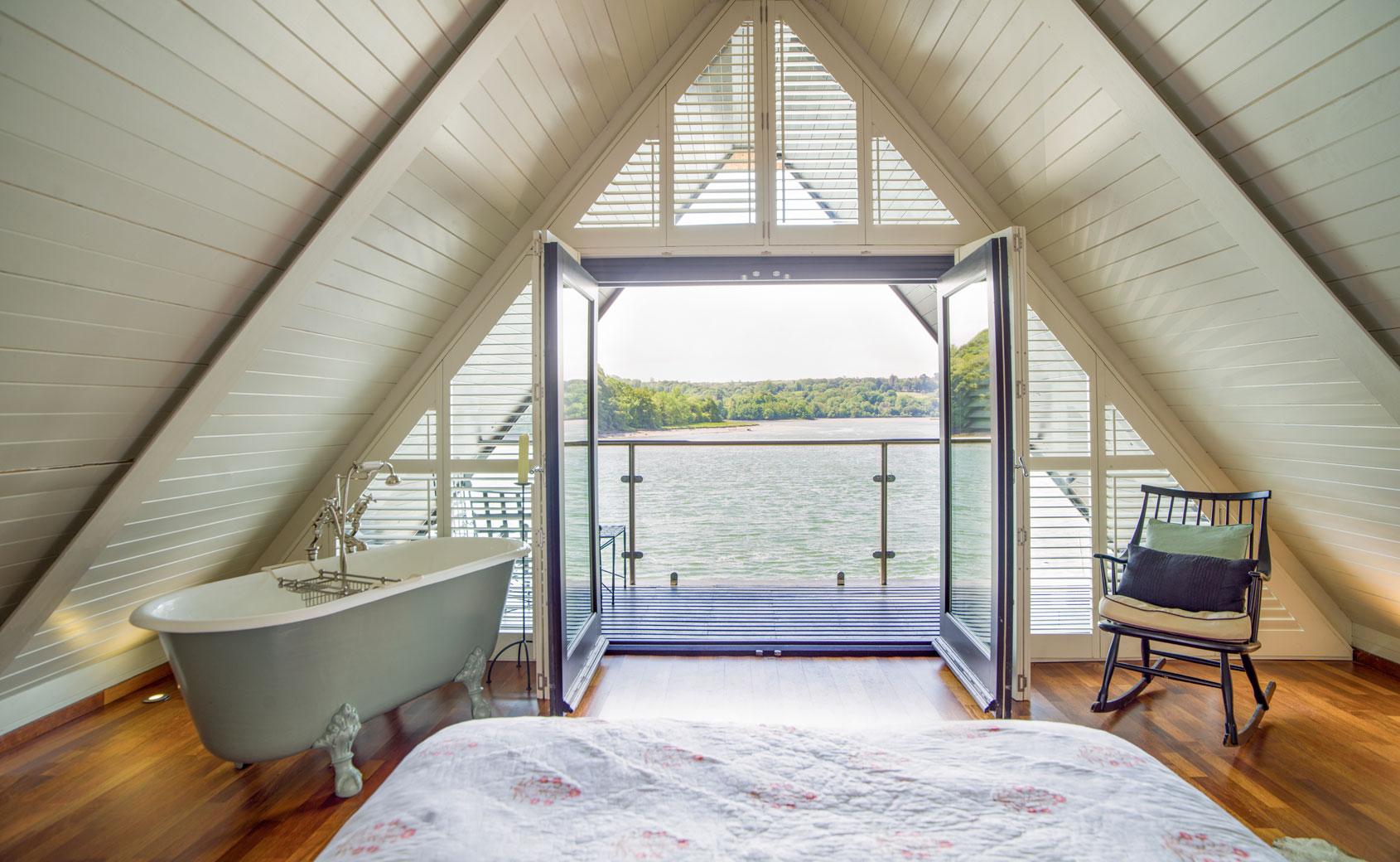boat house at ballynatray